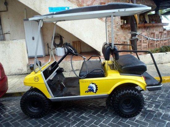 Golf Carts Indios: OUR YELLOW GOLF CART