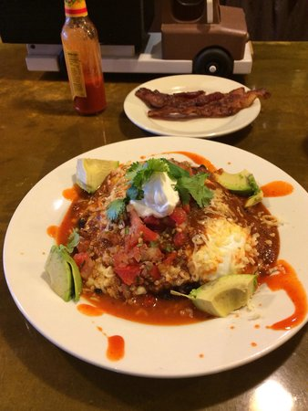 Home Kitchen Cafe: Yummy food with salsa and avocado's