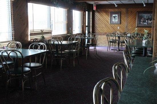 Wintergreen Resort & Conference Center: back dining room