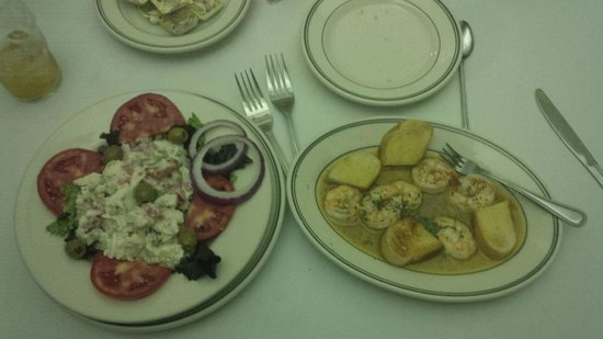 Lusco's: Broiled Shrimp Appetizer & Lump Crabmeat Entree Salad