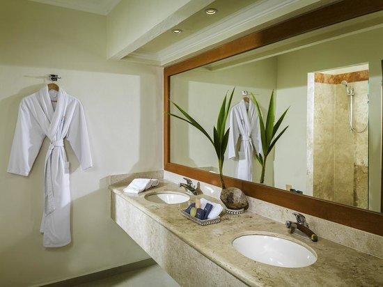 El Dorado Sensimar Riviera Maya : Beachfront Jacuzzi Junior Suite