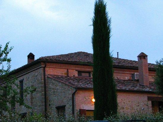 Agriturismo il Palazzo dei Diavoli : The 250 year old farm house
