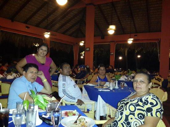 Barcelo Montelimar : Compartiendo una cena con la Familia