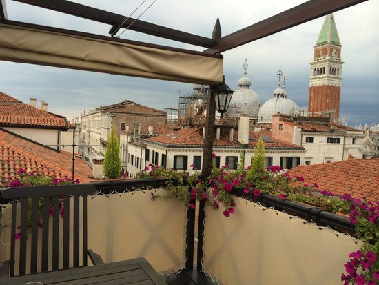Hotel Colombina : Private terrace (room 405)