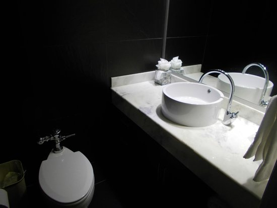 Riande Granada Urban Hotel : Room Bathroom