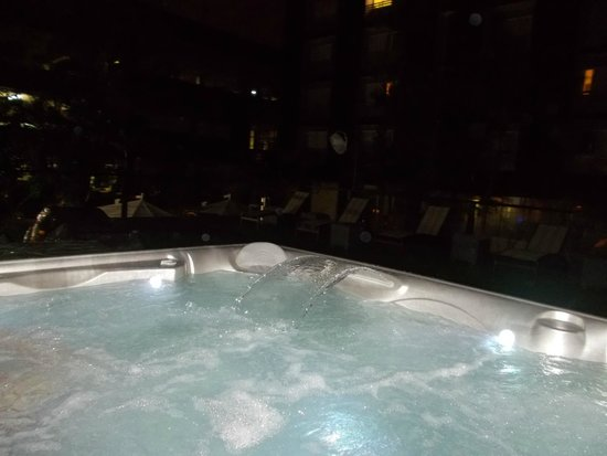 Riande Granada Urban Hotel: Hot tub