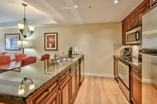 Sun Peaks Grand Hotel & Conference Centre: Hotel Residences Kitchen