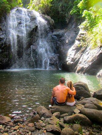 Koro Sun Resort and Rainforest Spa: Hike to the waterfall