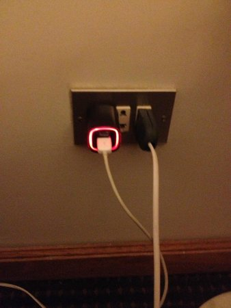 El Pardo DoubleTree by Hilton Hotel: You can use USA/ do not need adapter