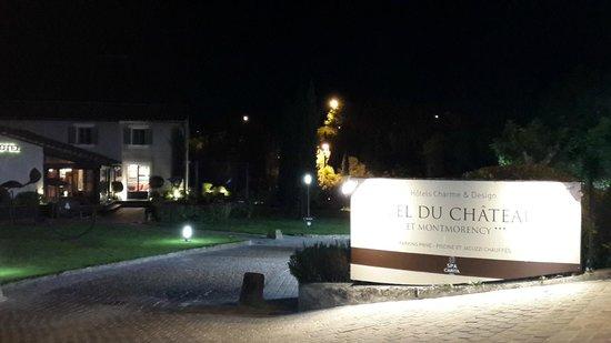 Entrada do Hotel du Chateau