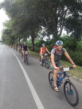 Paradesa Borneo: this is how we ride..