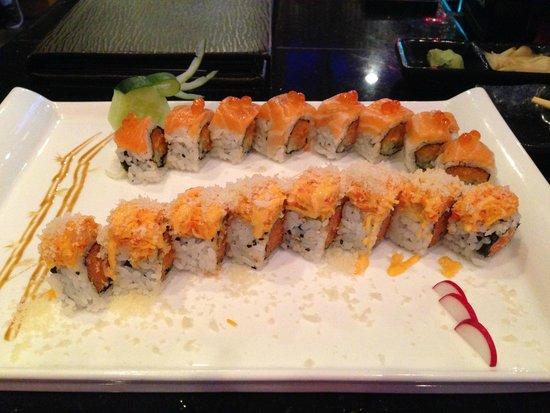 Sexy Girl Roll & Slammin' Salmon Roll @ Maki Maki, Woburn, MA