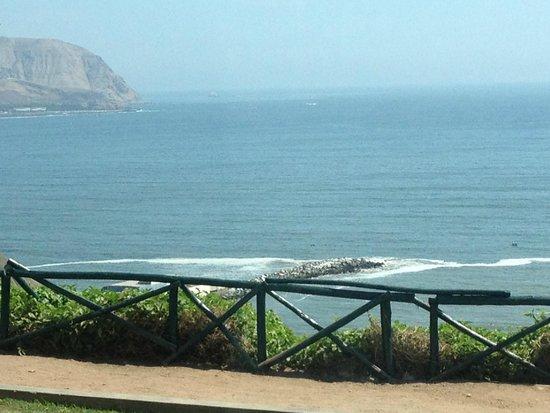 El Parque del Amor: Close to the ocean