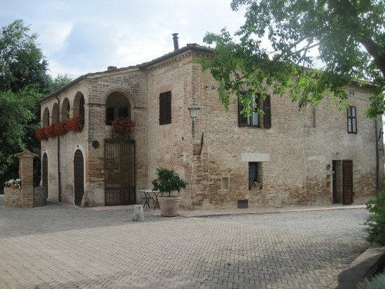 Il Canto del Sole : Main Building