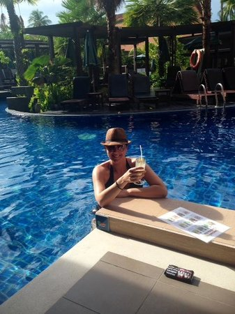 Patong Merlin Hotel: Relaxing near Pool Access Room