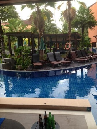 Patong Merlin Hotel : View from Pool access Room