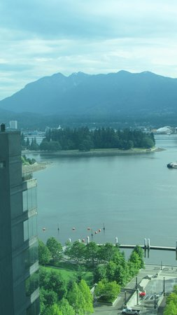 Coast Coal Harbour Hotel: View from Hotel Room
