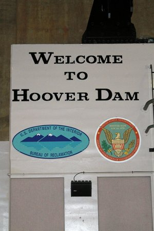 Hoover Dam: Welcome Sign
