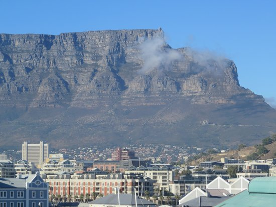 Table mountain picture of the table bay hotel cape town for Table bay hotel quay 6