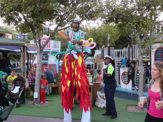 The Table Bay Hotel: Street Performers V & A Waterfront