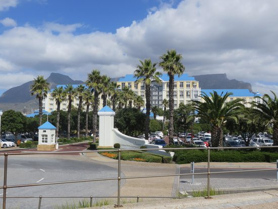 Mall picture of the table bay hotel cape town central for Table bay hotel quay 6