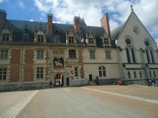 Chateau Royal de Blois: ao fundo , o Castelo