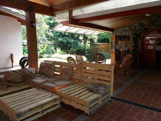 Hostal Garden by Refugio del Rio: Common Area