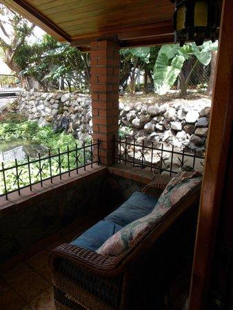 Hostal Garden by Refugio del Rio: Patio