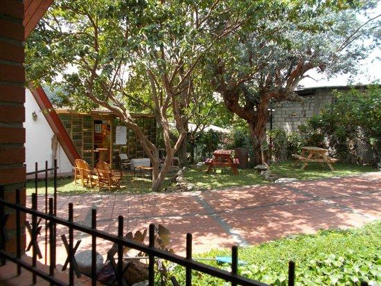 Hostal Garden by Refugio del Rio: View