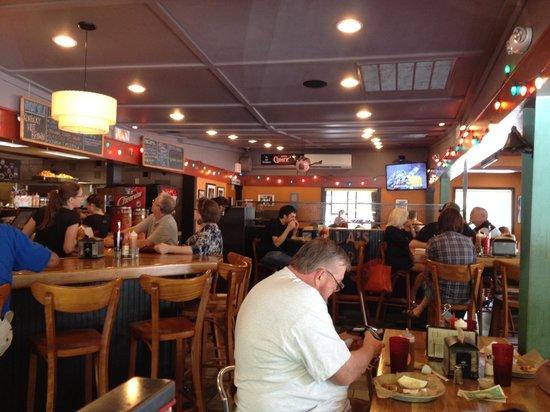 Luella's Bar-B-Que : The inside!