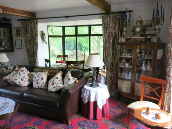 Tigh Cathain : Sitting room / lounge available to guests