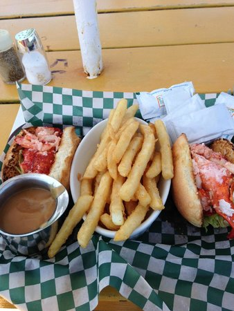 Rusty Anchor Restaurant: Lobster roll lunch - all lobster, no filler