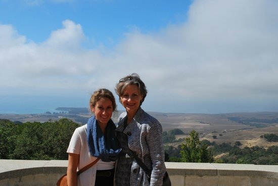 Hearst Castle : Mom and I with the view