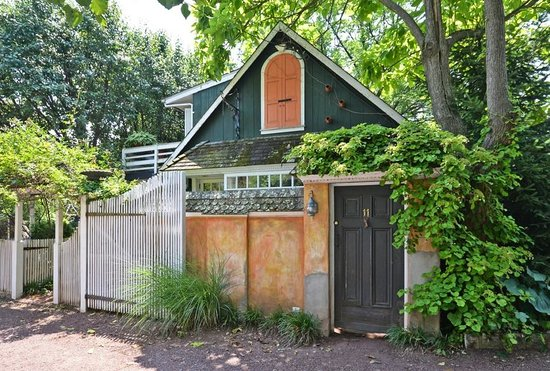 Porches on the Towpath: Exterior