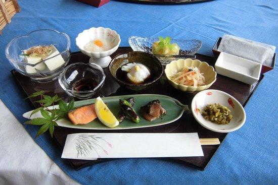 Chikuden Saryo: 朝ごはんを珍しくおかわりしました。箸が進みます~