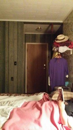 Lake Shore Motel: 23 front door