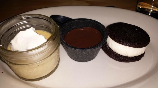 Moxy: Dessert was this AMAZING whoopie pie with chocolate sauce