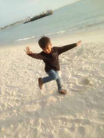 Glory Beach Resort : Sand is kids best friend
