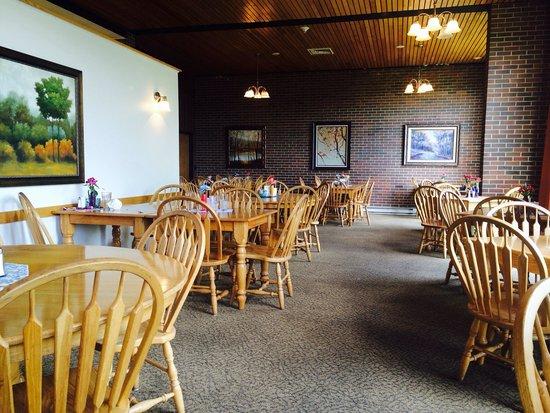 Twin Falls Lodge: Dining