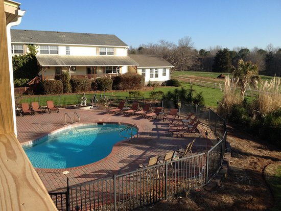 Southern Cross Ranch: Pool area