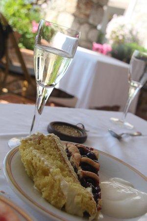 Hotel Luna: melhor torta de limão siciliano do planeta com prosecco no café da manhã