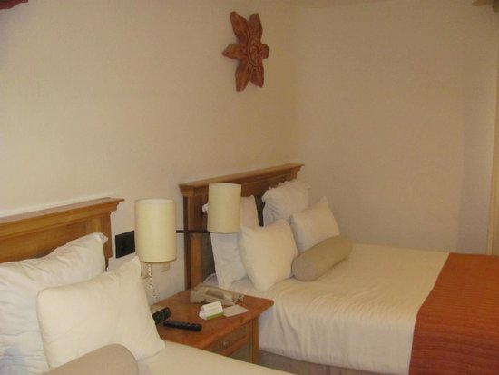 The Reef Playacar: Twin standard beds