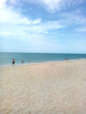 Weekender Resort & Hotel: Пляж