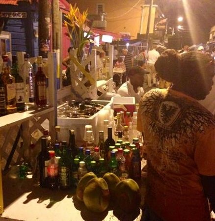 Gros Islet Street Party : Amazing rum punch!