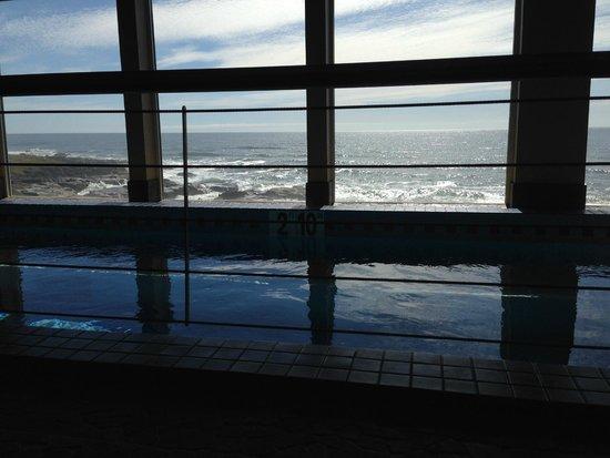 Overleaf Lodge & Spa : Hot tub