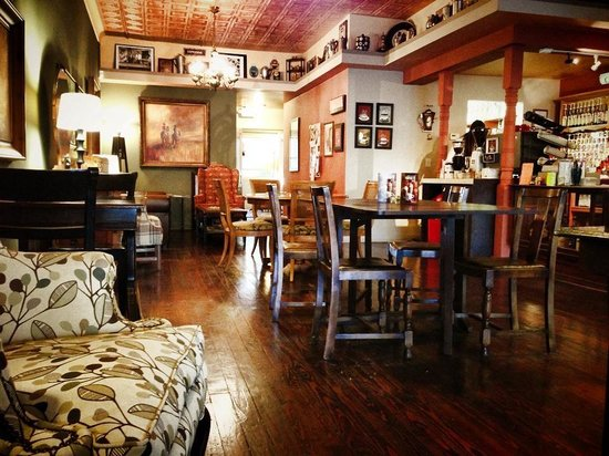 Jitterbug Coffeehouse: Comfortable and relaxed atmosphere.