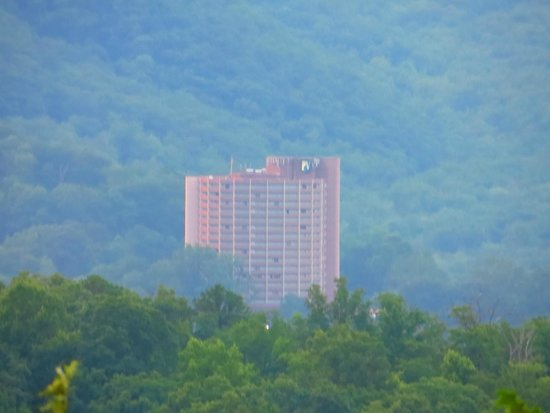Park Vista - DoubleTree by Hilton Hotel - Gatlinburg : A view of the hotel from Wiley Oakley Drive
