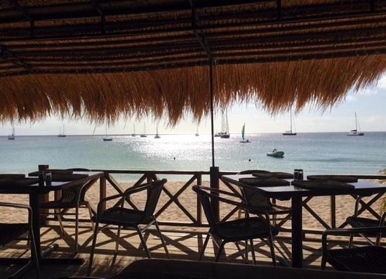 Spinnakers Beach Bar & Grill: beautiful views