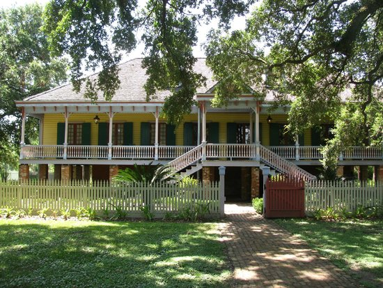 Laura: A Creole Plantation: The front exterior of the Laura Plantation.