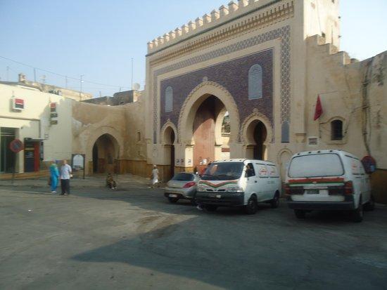 Bab Mansour Gate : detalhe da fachada